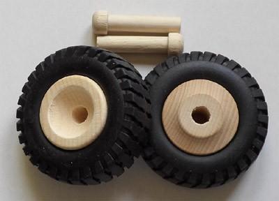 2 Stück Truck Reifen klein
